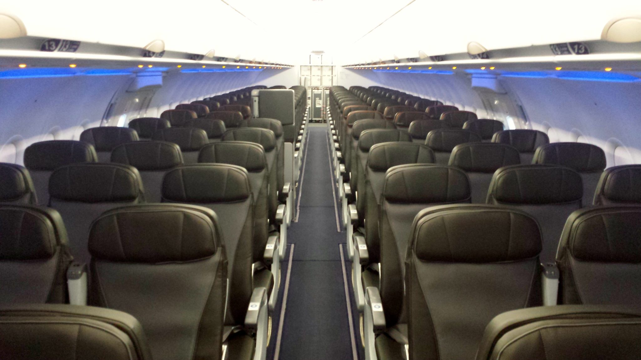 Jetblue readies to retrofit a320s with new seats studies for Free interior pictures